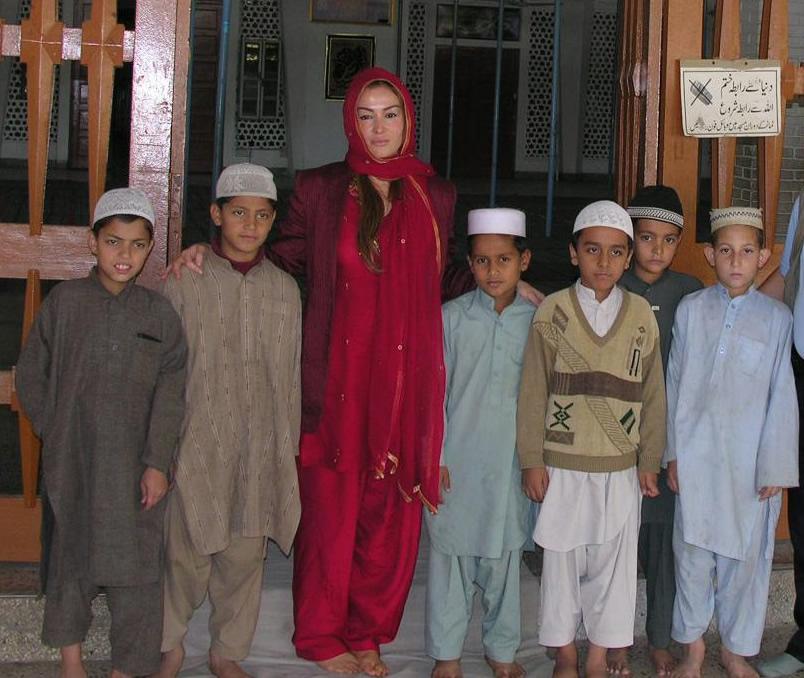 Benazir Butto'nun ardından..'Demokrasi için ölünecekse ölünür' 7