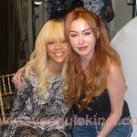Dünyaca ünlü şarkıcı Rihanna,  gazeteci  Ayşegül Ekinci'ye konuştu..