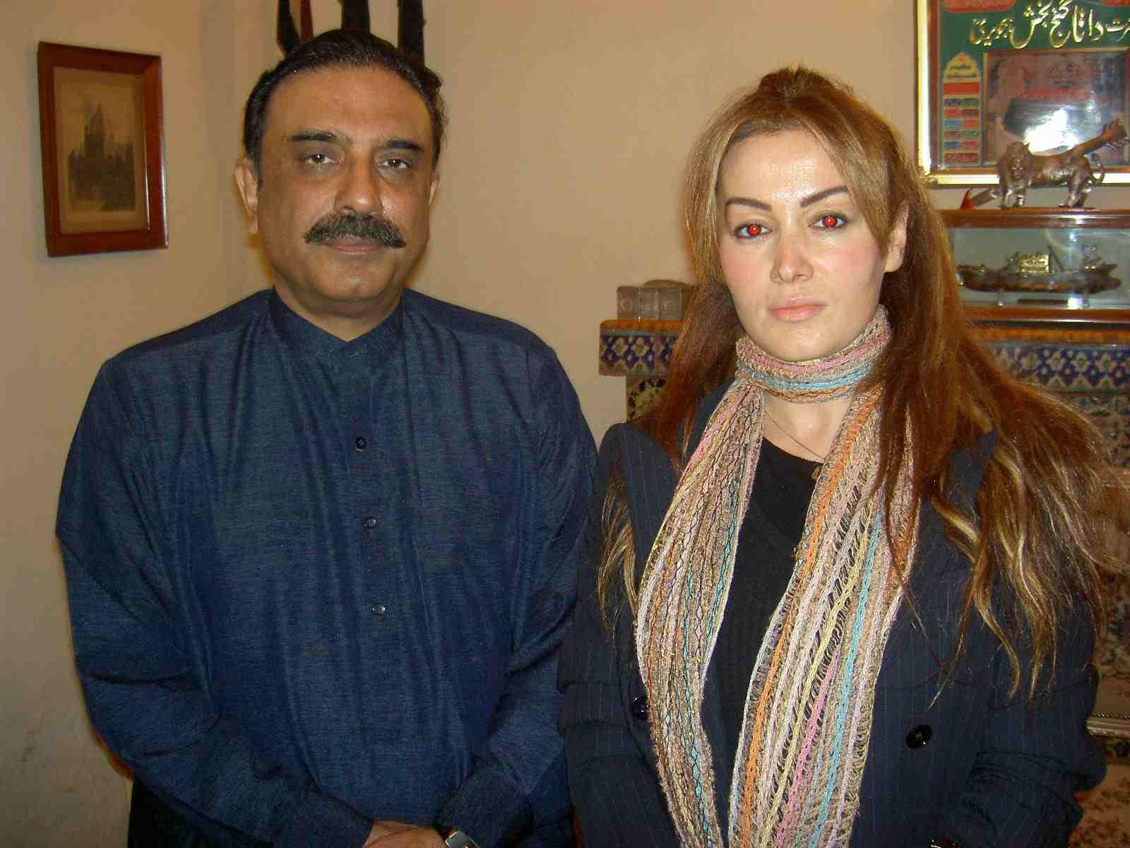 Asif Zerdari, Benazir Butto'nun cenazesinde röpörtaj, Pakistan